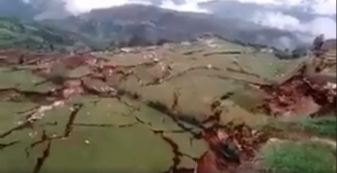 giant cracks cuzco peru, cuzco peru landslide, giant crack cuzco peru march 2018 pictures video