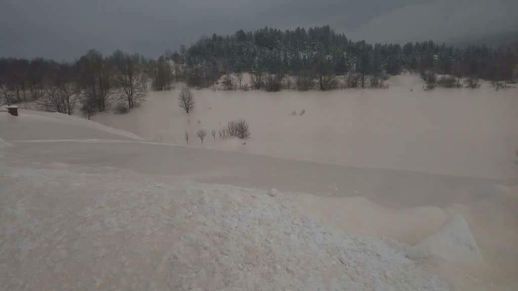 sahara sand covers snow croatia, Sahara sand covers snow in Croatia on March 2 2018, Sahara sand covers snow in Croatia on March 2 2018 pictures