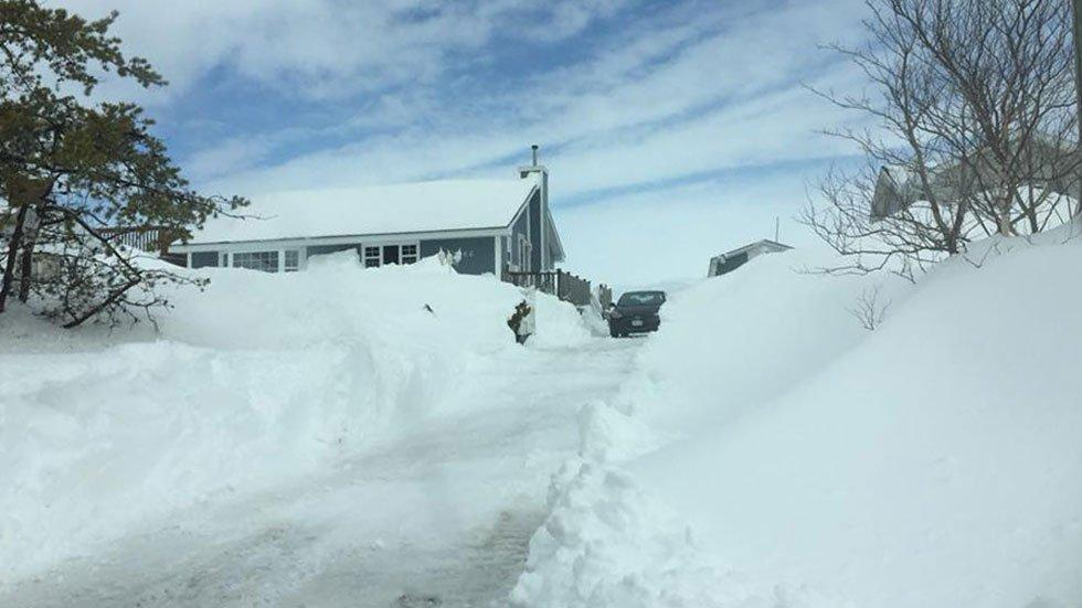 snowdrift canada new brunswick, amazing snowdrift canada new brunswick after 3 winter storms, snowdrift canada new brunswick after 3 nor'easters