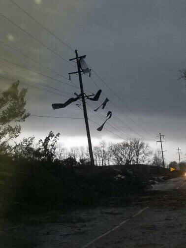 Damaging storms slam Midwest and southern US leave over 70000 without power, strong storms midwest and south USA, storms US midwest and south