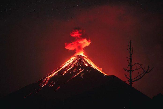 fuego eruption, fuego volcano eruption, fuego volcano eruption april 2018, fuego eruption pictures