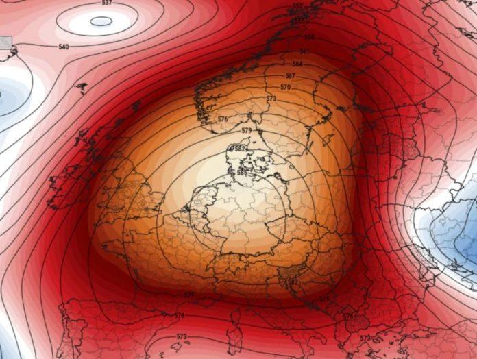 heat record europe april 2018, record heat europe april 2018, london record temperature april 2018, paris record temperature april 2018, europe heat dome april 2018