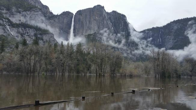 yosemite floods april 2018 california, yosemite flooded april 2018, pineapple express floods yosemite in california