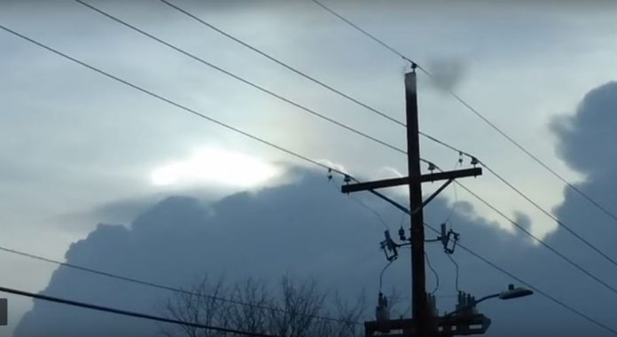 Mysterious sky phenomenon over Missouri, crazy sky phenomenon missouri, crazy sky phenomenon missouri video, crazy sky phenomenon missouri pictures