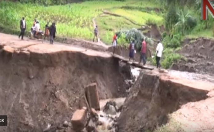 earth cracks uganda, earth cracks uganda may 2018, earth cracks uganda video may 2018, earth cracks uganda pictures may 2018