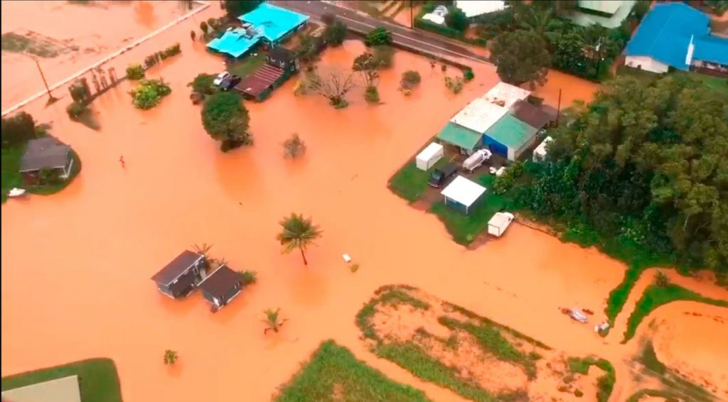 A Hawaiian island got about 50 inches of rain in 24 hours. Scientists warn it's a sign of the future, kauai floods hawaii new climate