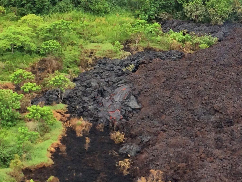 kilauea volcanic eruption cracks, kilauea volcanic eruption cracks may 18 2018, new fissure kilaue volcanic eruption may 18 2018, kilauea update may 18 2018