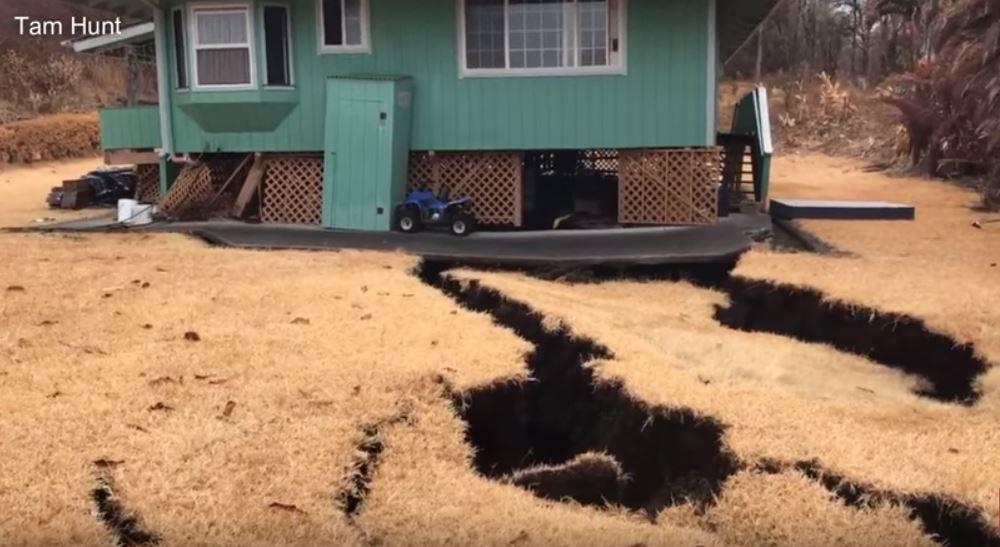 massive cracks swallows house hawaii eruption, massive cracks swallows house hawaii eruption video, massive cracks swallows house hawaii eruption pictures, massive cracks swallows house hawaii eruption may 2018