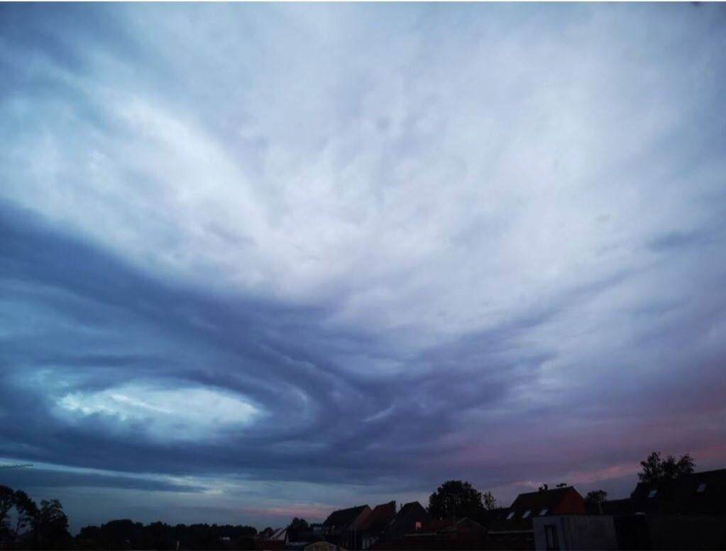 Mysterious swirl cloud appears locally over Belgium Mysterious-cloud-belgium-1