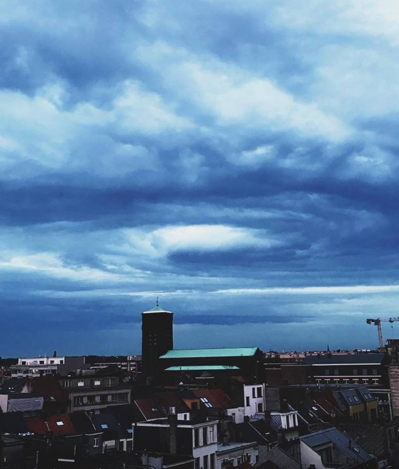 Mysterious swirl cloud appears locally over Belgium Mysterious-cloud-belgium-2