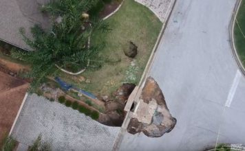 new sinkholes the villages florida, new sinkholes the villages florida pictures, new sinkholes the villages florida video, new sinkhole opens up in The Villages, Florida