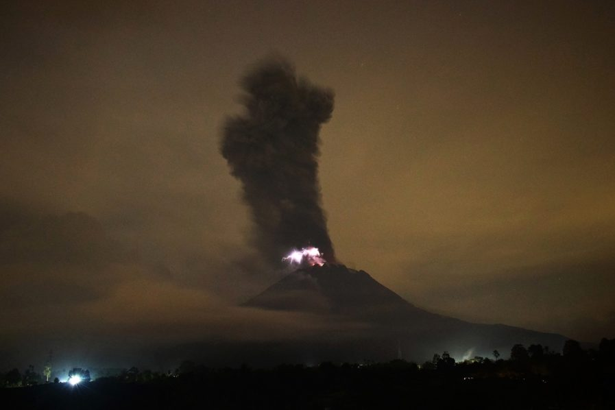merapi eruption, sinabung eruption, merapi eruption may 21 2018, merapi eruption may 21 2018 pictures, merapi eruption may 21 2018 video