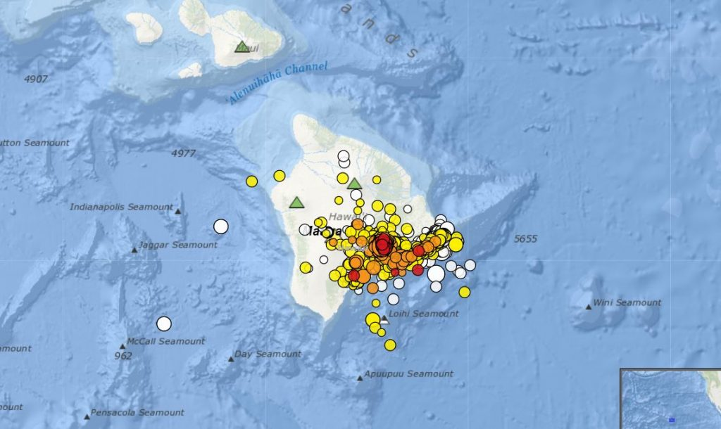 More than 12000 earthquakes hit big Island Hawaii in one month, 12000 earthquakes hit hawaii, kilauea volcano 12000 earthquakes
