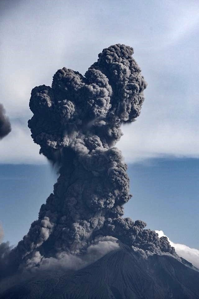 volcanic eruption june 2018, volcano eruption june 2018