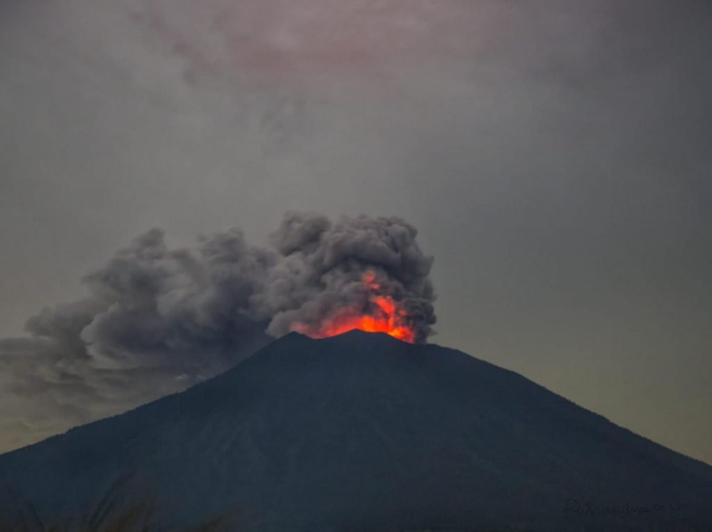 Agung volcano refuses to go back to sleep in Bali Indonesia Agung-eruption-june-28-2018-5-1024x765