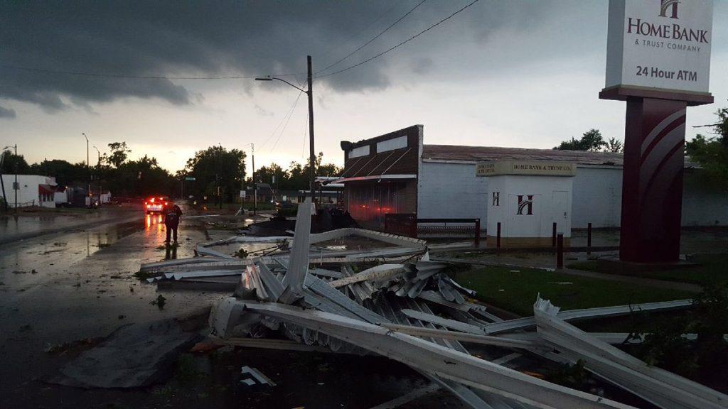 eureka tornado, eureka tornado kansas, eureka tornado kansas june 2018, eureka tornado kansas picture, eureka tornado kansas video