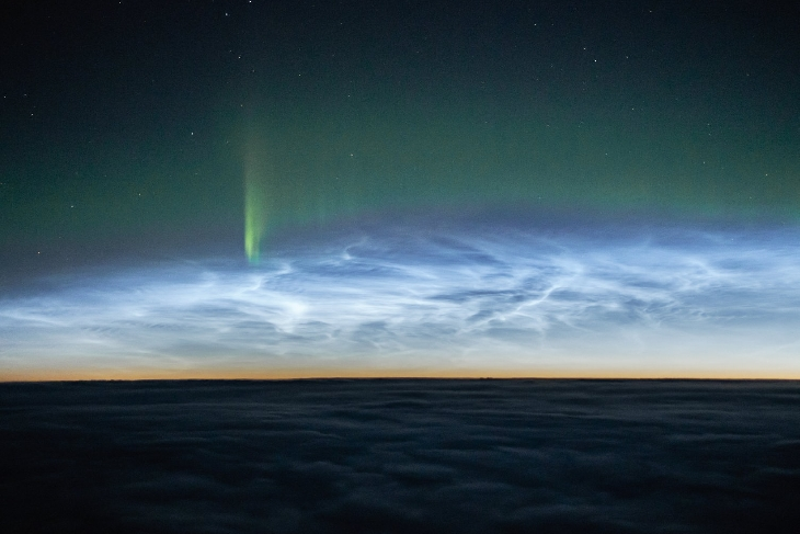 nlc with aurora, Noctilucent clouds with auroras, Noctilucent clouds with auroras canada
