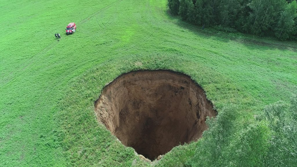 giant crater russia july 2018, giant crater russia july 2018 videos, giant crater russia july 2018 pictures, giant crater russia july 2018 pictures and videos