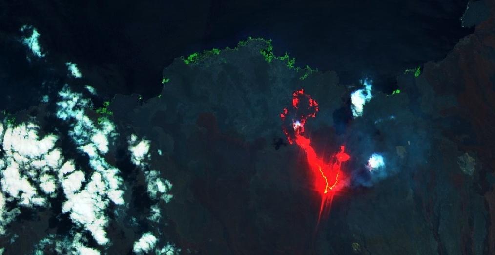 sierra negra eruption galapagos july 2018, sierra negra eruption galapagos july 2018 pictures, sierra negra eruption galapagos july 2018 video