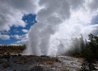 steamboat geyser, steamboat geyser eruptions, 11 steamboat geyser, anomalous steamboat geyser july 2018, steamboat geyser 11 eruption july 6 2018