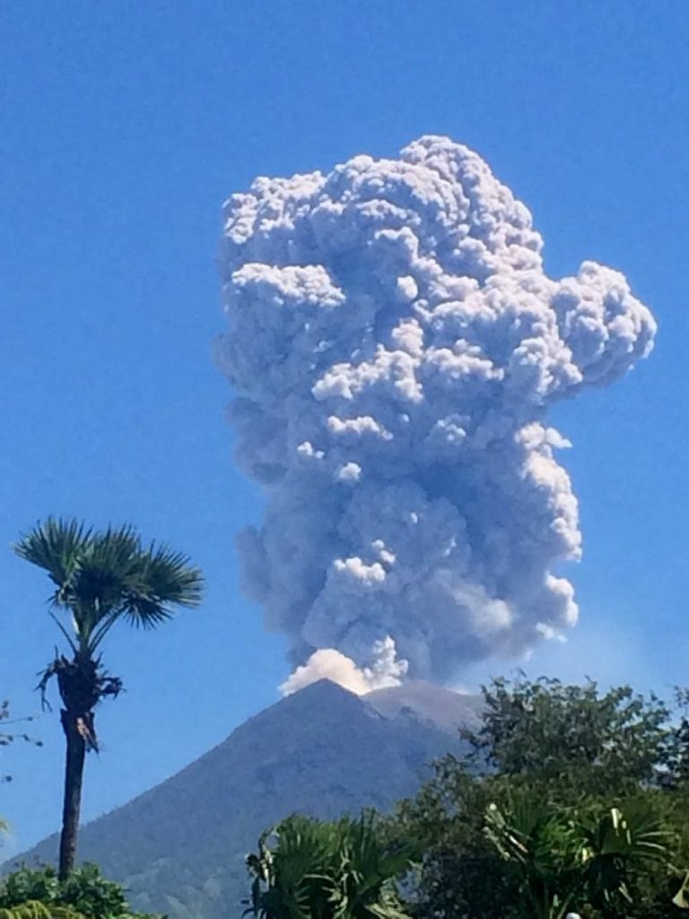 agung volcano eruption july 2018, volcanic eruption july 2018, volcanic eruption july 2018 video, volcanic eruption july 2018 pictures
