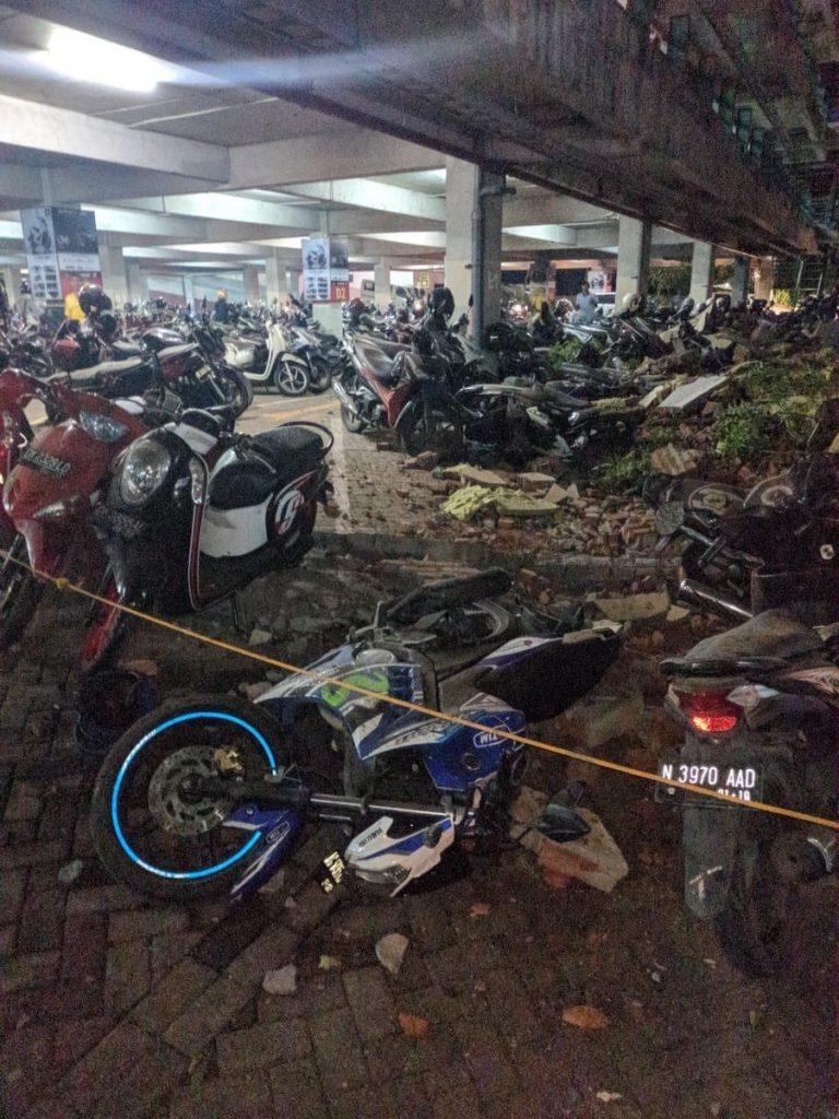M6.9 землетрясение lombok август 5 2018, землетрясение M6.9 Индонезия август 5 2018, землетрясение M6.9 Индонезия, M6.9 землетрясение Индонезия lombok август 5 2018 фото, M6.9 землетрясение Индонезия lombok август 5 2018 видео