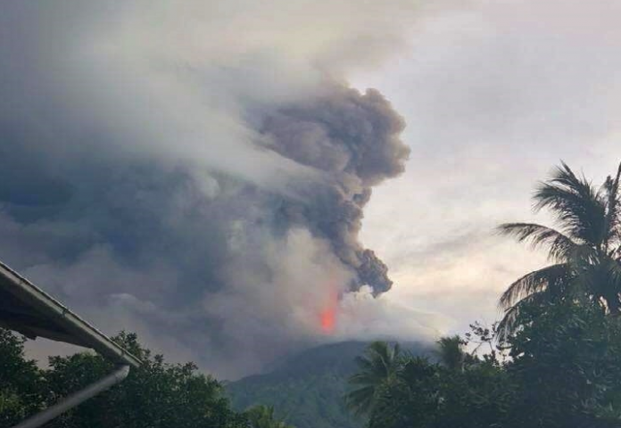 manam eruption august 25 2018, manam eruption august 25 2018 video, manam eruption august 25 2018 picture