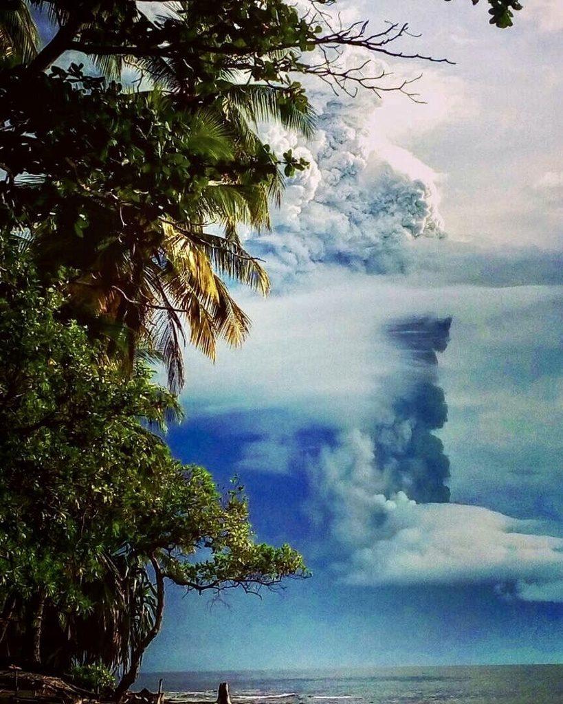 manam eruption august 25 2018, manam eruption august 25 2018 video, manam eruption august 25 2018 picture