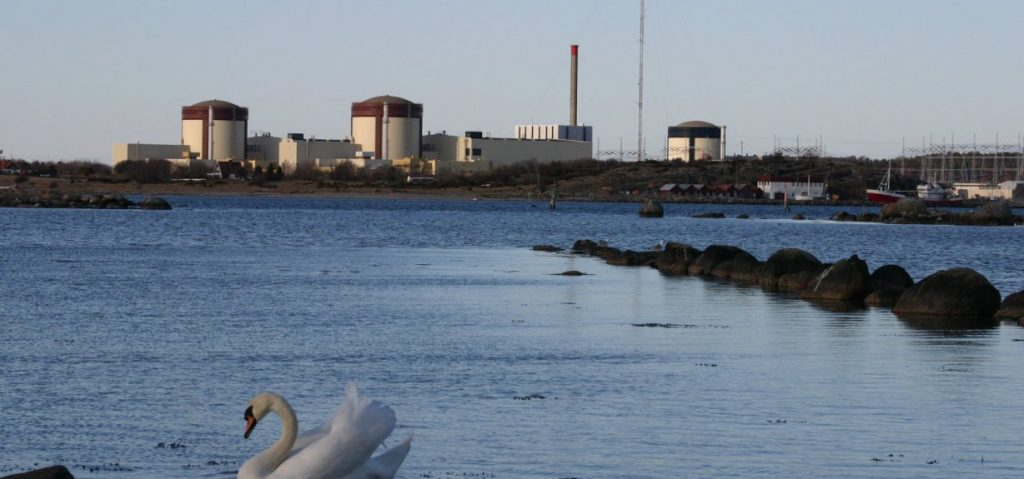 Hot sea water forces Swedish nuclear power plant to shut, ringhals nuclear plant closes due to warm sea water, sea water too warm nuclear facility reactor closes in sweden,