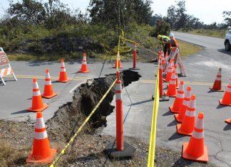 sinkholes and cracks hawaii volcano park, sinkholes and cracks hawaii volcano park pictures, sinkholes and cracks hawaii volcano park video, sinkholes and cracks hawaii volcano park august 2018