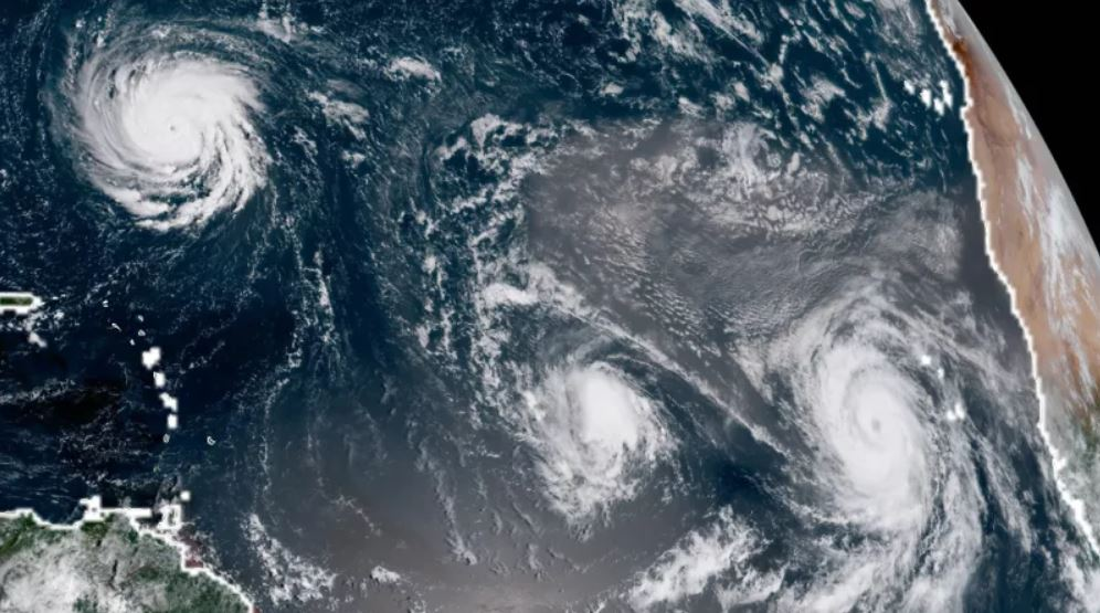 Picture of Hurricane Florence from space, 3 hurricanes atlantic ocean, hurricane florence, hurricane florence threat us east coast, emergency hurricane florence