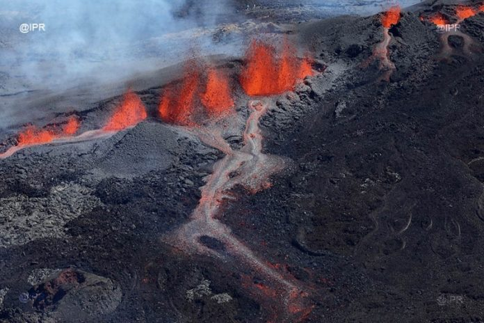 piton de la fournaise eruption september 2018, piton de la fournaise eruption september 2018 video, piton de la fournaise eruption september 2018 picture