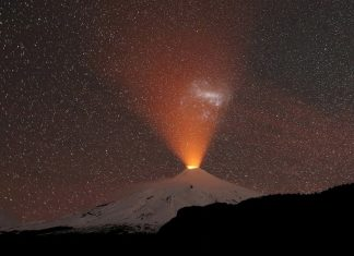 villarica volcano chile september 2018 eruption glow, amazing picture chile volcano, villarica volcano picture september 2018