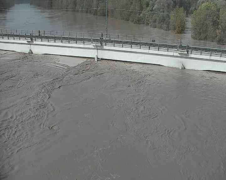 river italy floods bridge, flooding italy, italy under water