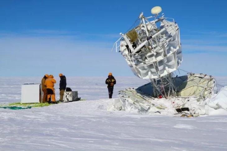antarctica bizarre particules change physics, antarctica mystery
