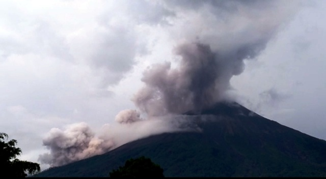 Fuego volcano erupts on October 12 2018 in Guatemala, Fuego volcano erupts on October 12 2018 in Guatemala video, Fuego volcano erupts on October 12 2018 in Guatemala pictures, Fuego volcano erupts on October 12 2018 in Guatemala news