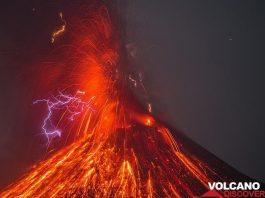 krakatau volcanic lightning, krakatau volcanic lightning pictures, krakatau volcanic lightning october 2018