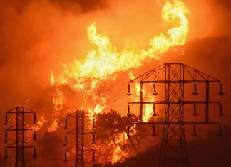 lights out in Northern California to prevent fires, PG&E shuts off the power in Northern California to prevent fires