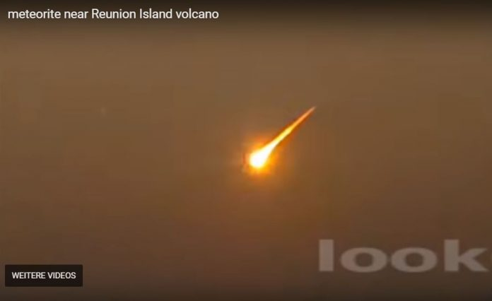 Very bright meteor fireball explodes over Reunion island and Mauritius on September 25 2018, fireball news, meteor news