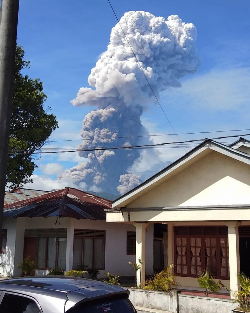 Picture of Soputan volcanic eruption on October 3 2018 in Sulawesi, Picture of Soputan volcanic eruption on October 3 2018 in Sulawesi picture, Picture of Soputan volcanic eruption on October 3 2018 in Sulawesi video
