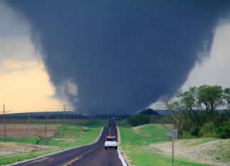tornado, tornado picture, terrifying tornado picture, most amazing tornado