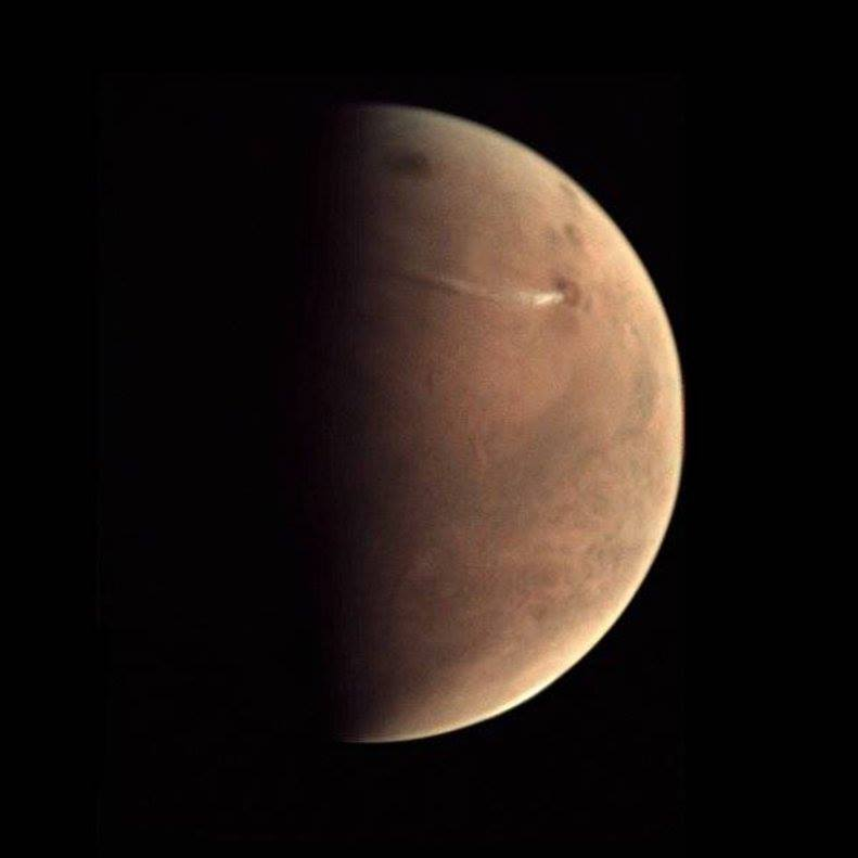 volcanic eruption mars, orographic clouds mars, mars volcano orographic clouds