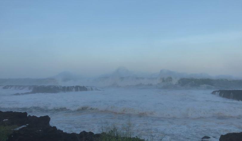 huge waves hawaii, huge waves hawaii video, huge waves hawaii november 2018, huge waves hawaii videos november 2018