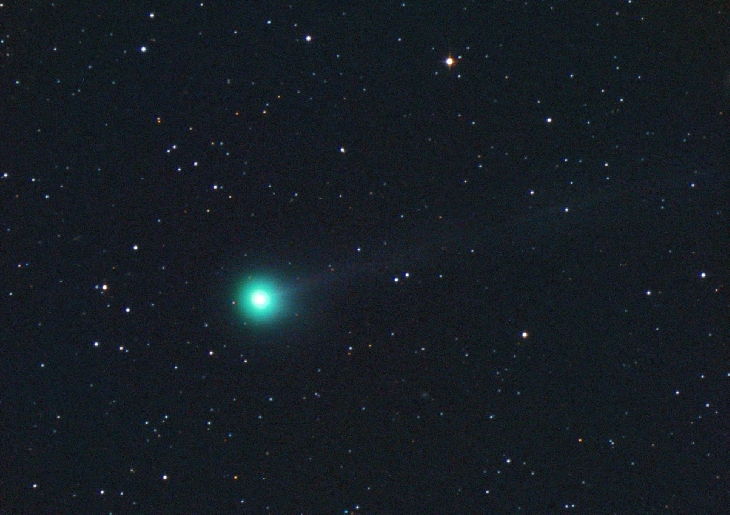 3 amateur astronomers discover bright new comet that has quadrupled in brightness over the past few days New-comet-discovered-by-amateur-astronomers