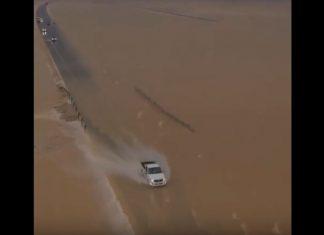oman desert turns into sea video, oman desert turns into sea video november 2018, oman desert turns into sea video october 2018