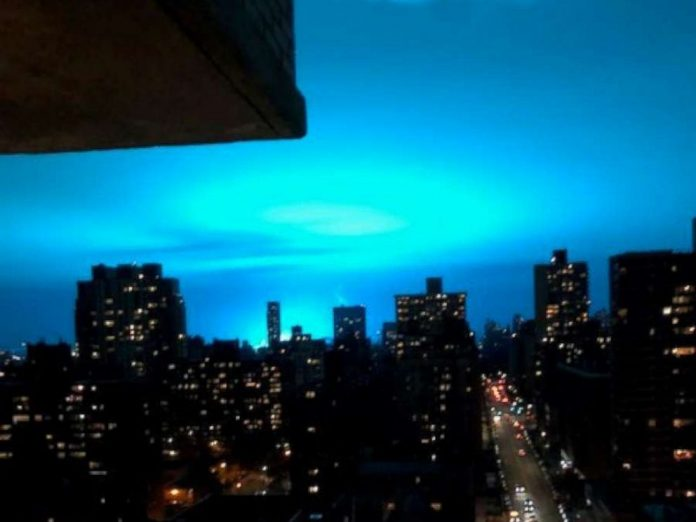 alien invasion queens blue sky transformer explosion, alien invasion queens blue sky transformer explosion video, alien invasion queens blue sky transformer explosion pictures