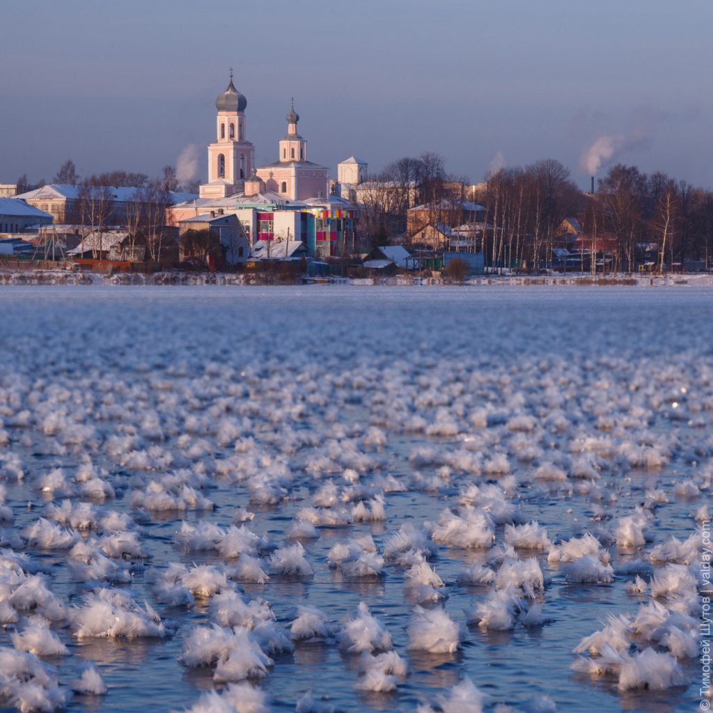 Flowering lake phenomenon: Thousands of rare 'ice flowers'  Ice-flowers-russia-1024x1024
