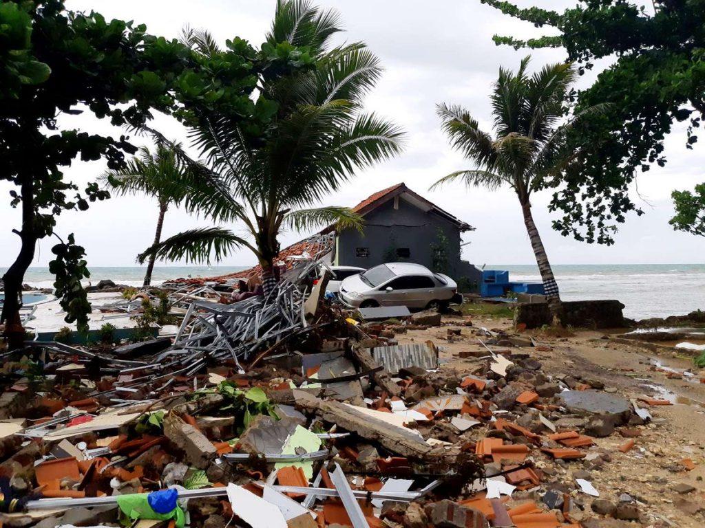UPDATE: Krakatau volcano tsunami Tsunami-indonesia-anak-krakatau-1-1024x768