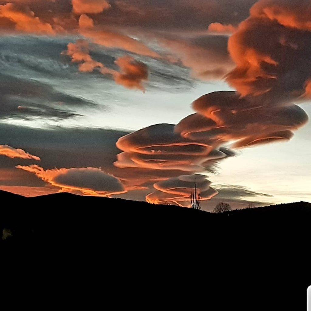 catalonia lenticular clouds, catalonia lenticular clouds pictures, catalonia lenticular clouds video