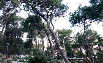 hurricane croatia feb 2019, wind croatia hurricane, Hurricane-wind storm hits Croatia on February 22 2019, croatia wind storm bura, Hurricane-wind storm hits Croatia on February 22 2019 video, Hurricane-wind storm hits Croatia on February 22 2019 pictures